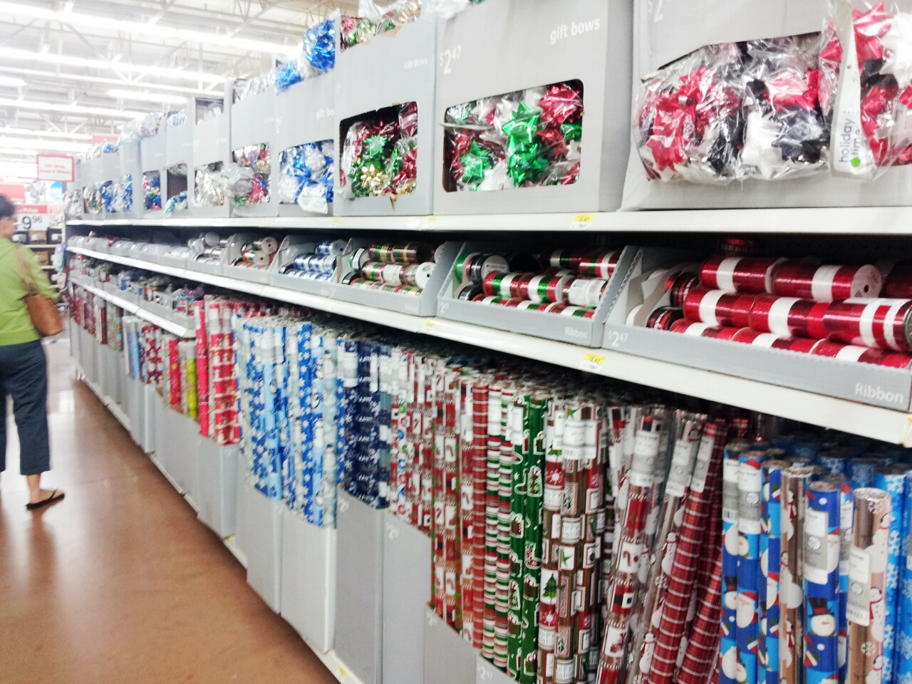 Walmart gift wrapping / Actual Store Deals