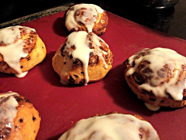 christmas-morning-cinnamon-rolls
