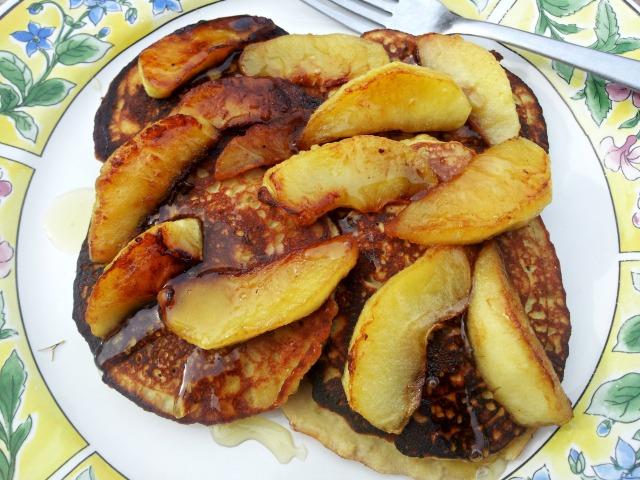 mimm-pancakes-apples-close