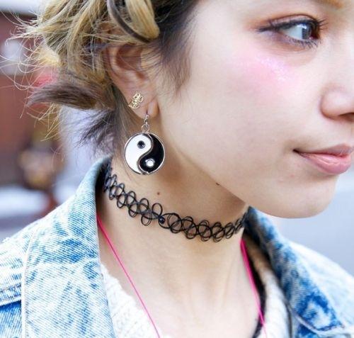 friday-choker-necklace