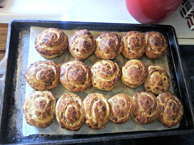 wiaw-bday-rolls-cooked