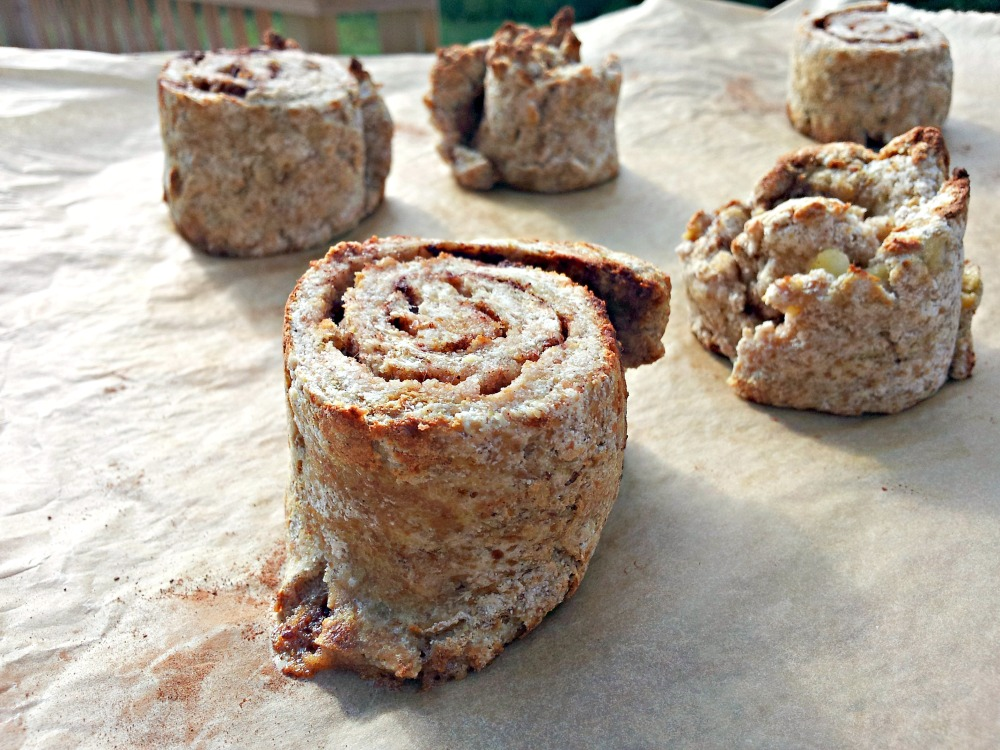 Coconut Flour Cinnamon Rolls (2/5)