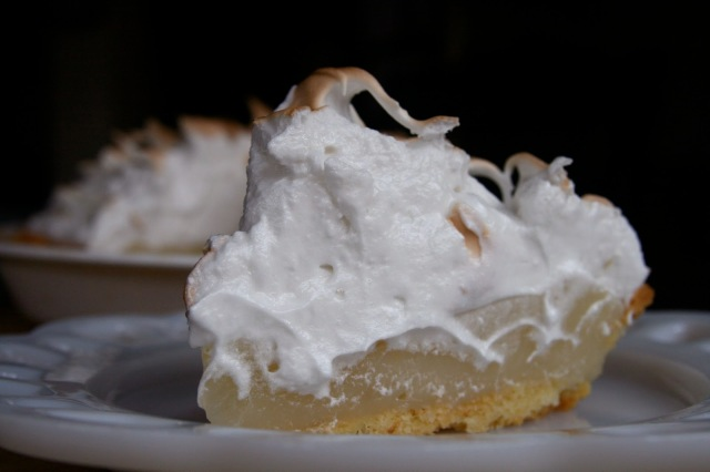 wiaw-thanksgiving-lemonmeringuepie